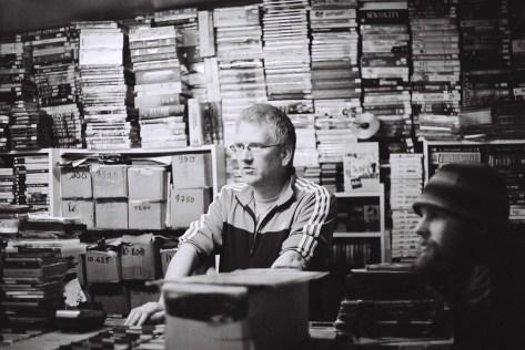 Verkäufer in einem Musikgeschäft, Reykjavik